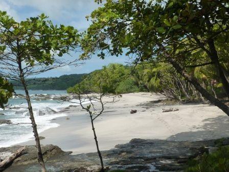 Montezuma-cascade-plage.jpg